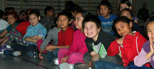 Lancement d'<strong>Unikkausivut : Transmettre nos histoires</strong> à Kuujjuaq, au Nunavik