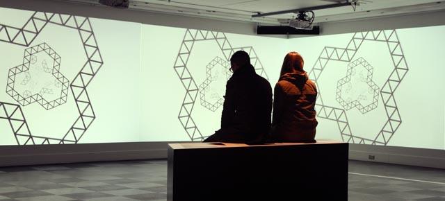 Visitez l'installation Les horlogers à la Place des Arts