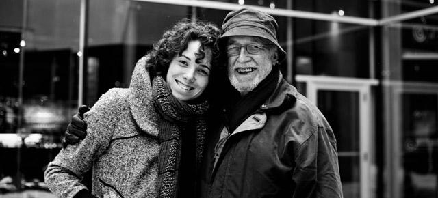 Myriam Verreault, réalisatrice du film remix de Montréal, en compagnie du réalisateur Michel Brault, qui a fait les images de Rouli-roulant en 1966.