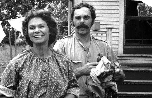Monique Mercure et Jean Beaudin dans J.A. Martin photographe