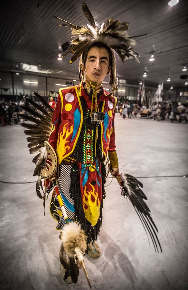 Chemin rouge_Tony Chachai_pow-wow