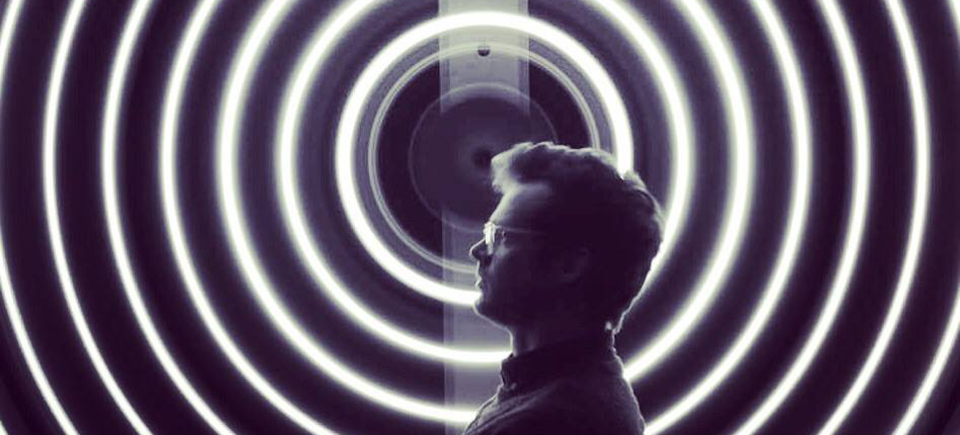 Tesla : lumière mondiale | Entrevue avec Matthew Rankin, cinéaste d'avant-garde