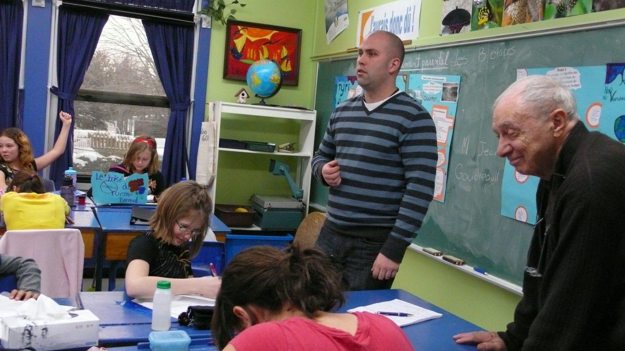 Avec Monsieur Dominic, les élèves apprennent à voir le monde autrement