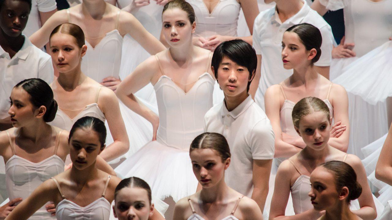 Point d'équilibre : ces jeunes qui rêvent de devenir danseurs de ballet